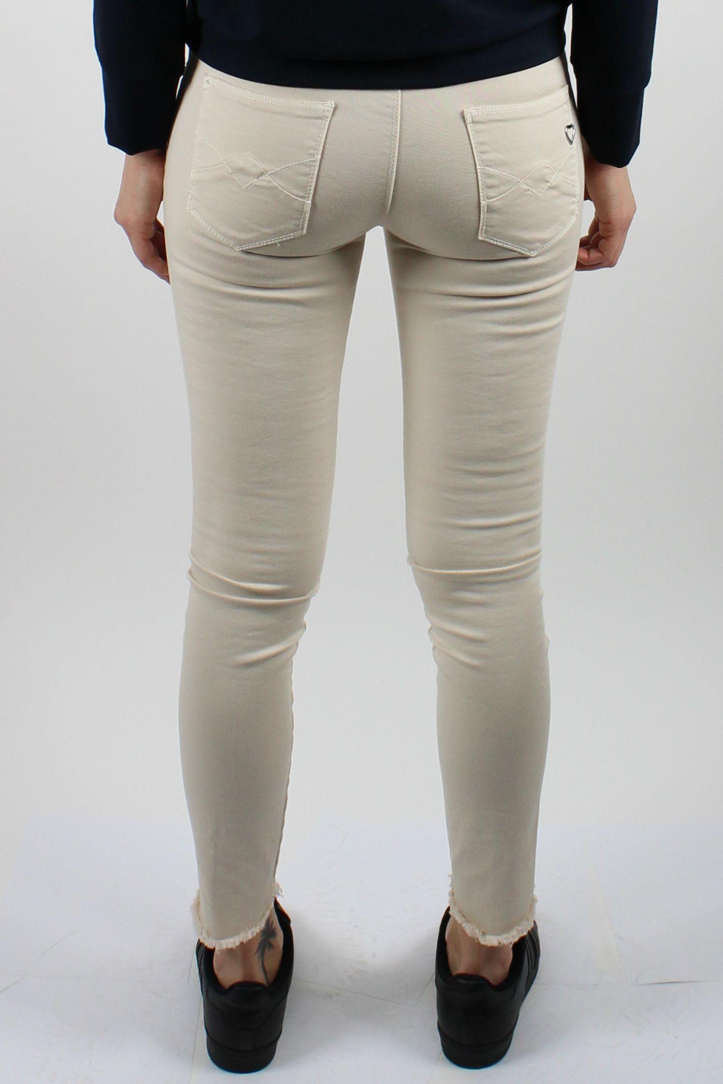 96fb781b795 Úzke dámske nohavice s roztrapkaným spodkom - Brands Made in Italy